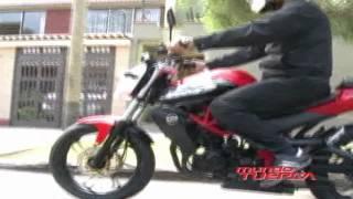 TEST MOTO UM  XTREET 230R