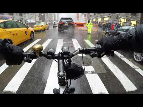 Cycling Manhattan, NYC on a Snowy Day in December 2017 (Chest Cam)