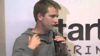 Patrick Llewellyn (99Designs) - Scaling while maintaining communication
