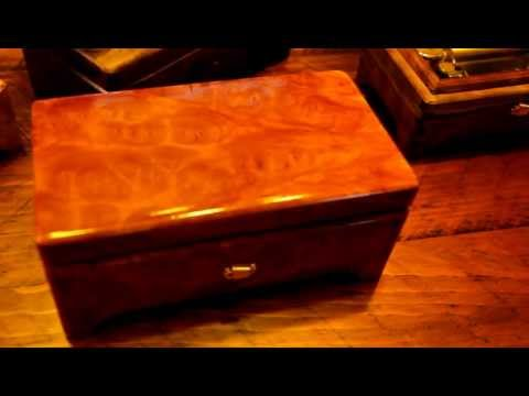Sankyo 72 Note Custom Music Box Australian Burl, Red Mallee, Canon In D