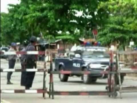 Scene Around Insein Prison & U Win Tin (VOA Burmese)