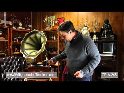 Original Tocadiscos Philips de los Años 70 en forma de Gramófono. Edición Limitada.