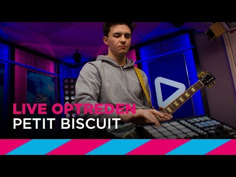 Petit Biscuit - Sunset Lover [LIVE] | SLAM!