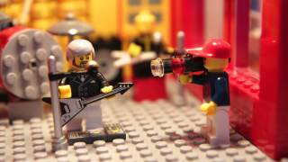 Giel @3FM in Lego: Triggerfinger - All this dancin