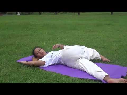 Yoga Pose: Supine Spinal Twist atau Supta Matsyendrasana