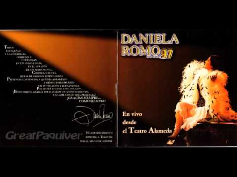 PAQUIVER -DANIELA ROMO /Popurrí/en vivo Teatro Alameda-97