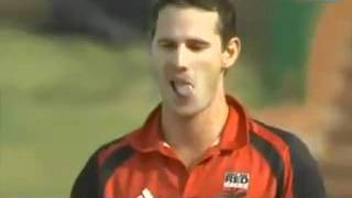 The funniest dismissal of all time in cricket!!