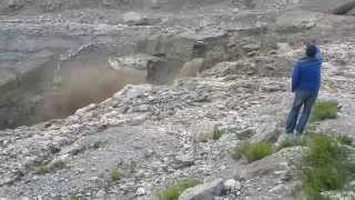 Leh Manali highway extremely dangerous accident Himalayan Rocks falling