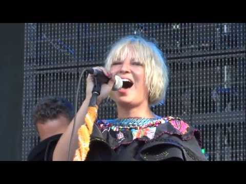 Sia Fight Live Montreal Osheaga 2011 HD 1080P