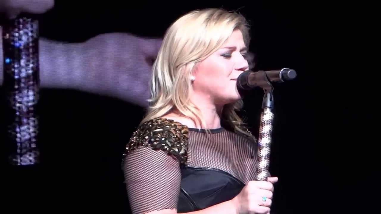 Download Kelly Clarkson - Tie It Up - 8/25/13