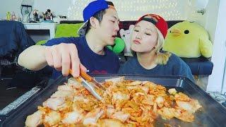Boyfriend cooks KIMCHI STEW for me mukbang! [Part 2]
