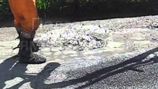Машина для ямочного ремонта MADPATCHER(Madpatcher - это современная управляемая компьютером машина (оборудование) предназначена для ямочного ремонта..., 2012-09-19T07:06:38.000Z)