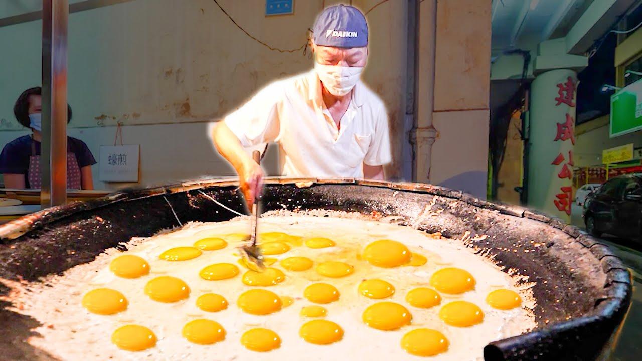 Street Food in Malaysia - 500 EGG Oyster Omelette MASTER + HUGE Street Food Tour of Melaka!!!!