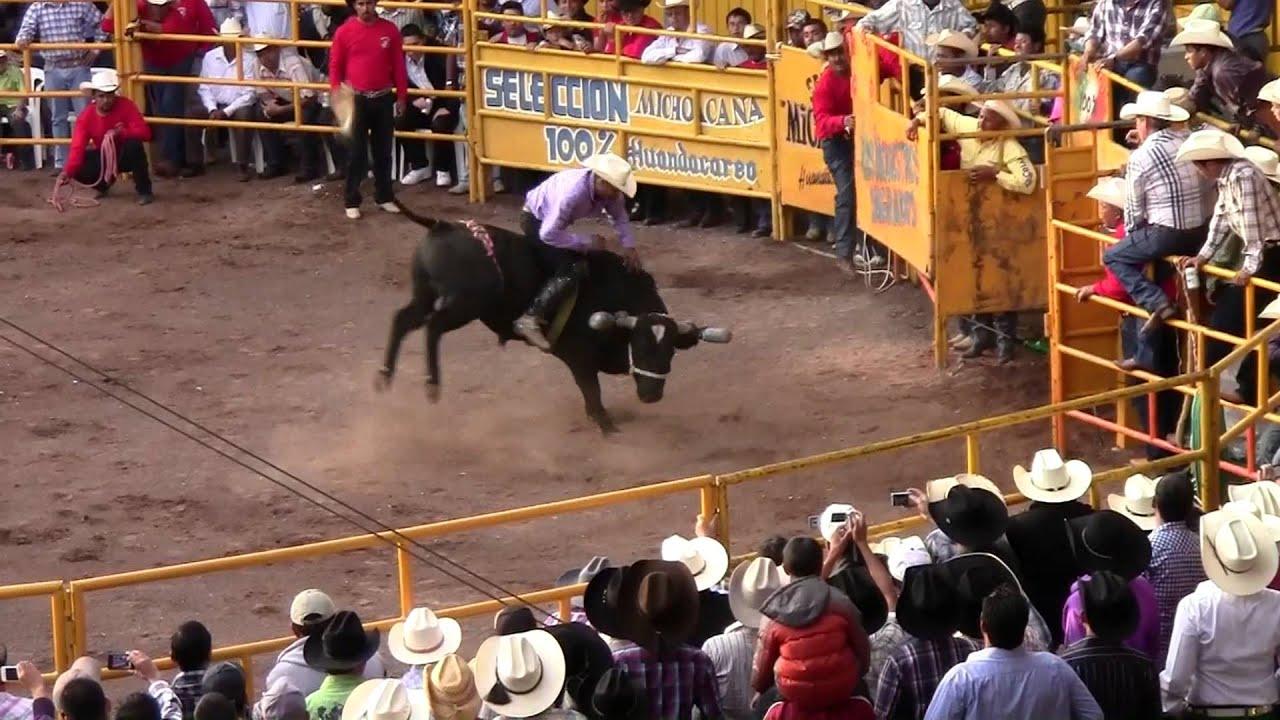 Jaripeo 8 De Enero Huandacareo 2012 Youtube