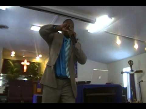 Elder Davis Preaching: A Diamond In The Rough but A Diamond Sho'nuff!!!