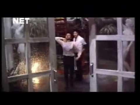 Badal Yun Garajta Hai - Betab 1983.mp4
