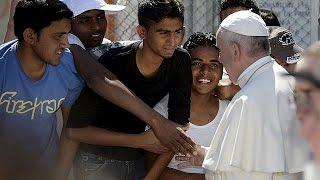 """البابا فرنسيس للاجئين في ليسبوس: """"لستم وحدكم""""    16-4-2016"""