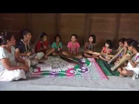 Little kids singing a adi folk song