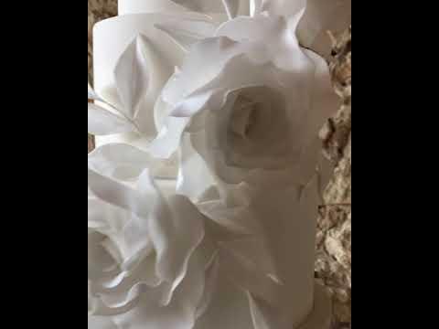 'White elegance' wedding cake at Notley Abbey