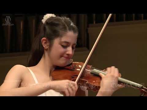 Paganini Concerto No.1, Op 6, 1. Allegro maestoso  - María Dueñas/ Vladimir Spivakov