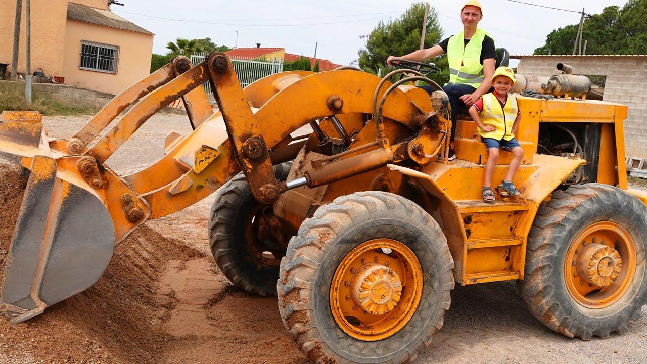 Трактор зламався Діма поспішае на допомогу і ремонтуе трактори. Великий збірник