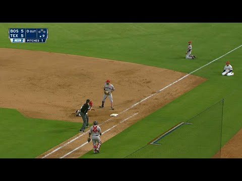 Pedroia makes barehanded stop, falling throw