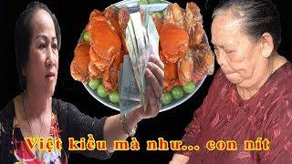 Cộng đồng 'mắng' những Việt kiều cho tiền mừng thọ dì 3 cua rồi lấy lại là như con nít