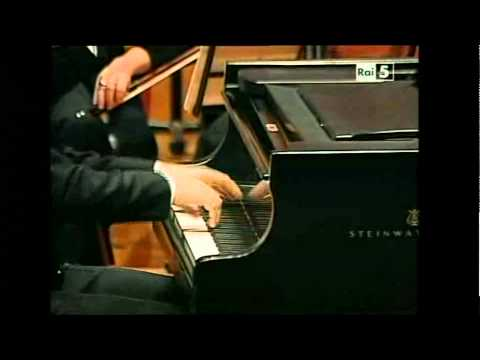 Chopin: Piano Concerto n.2 op.21 - Andrea Lucchesini - 2nd & 3rd mvts.
