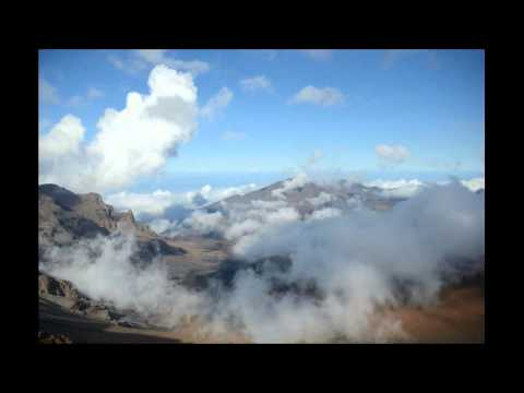Clouds over Haleakalā Crater (Maui, Hawaii) | Timelapse