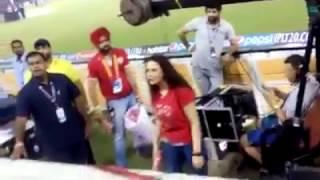 Preethi Zinta Fight with a Fan At Dharmasala Stadium VIVO IPL 2017