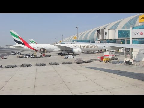 Emirates Airlines - Landing in Dubai International Airport
