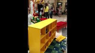 Упал в АУРЕ потолок , на детской площадке !(, 2016-06-20T11:37:18.000Z)