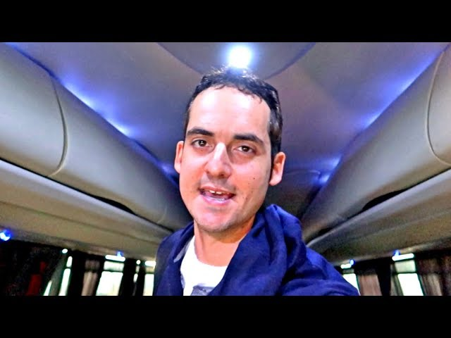 TAKING A LUXURY BUS in MEXICO ! WORTH IT? (Gringo Moving to Guadalajara Vlog)