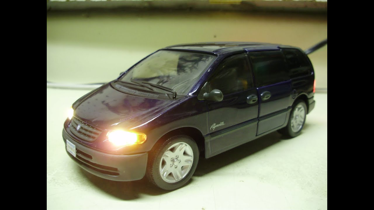 Ray's custom 1:26 scale Plymouth Voyager mini van diecast model with working lights - YouTube