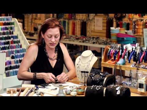 How to Make a Wire Wrap Scroll : Introduction to Wire Wrap Jewelry
