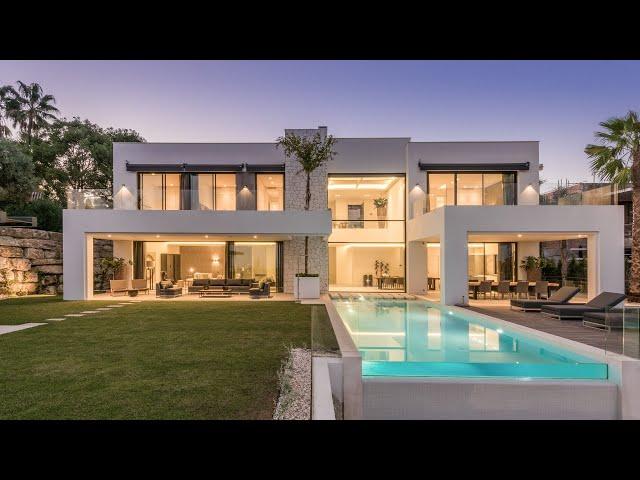 New Contemporary Villa for sale in La Alqueria, Benahavis, Spain.