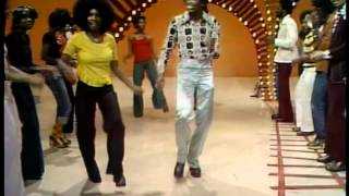 "Soul Train Dancers - Earth, Wind & Fire: ""Mighty Mighty"""