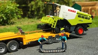 BRUDER RC COMBINE harvester fail - Mercedes truck rescue mission!