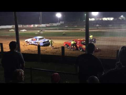 4-27-17  Bomber Feature At Lincoln Park Speedway Part 2
