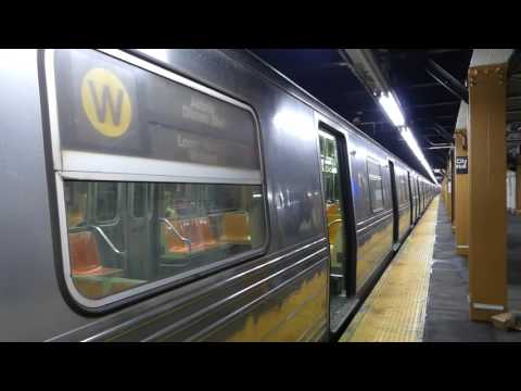BMT Broadway Line: R68 W Train at City Hall-Broadway (Queens Bound)