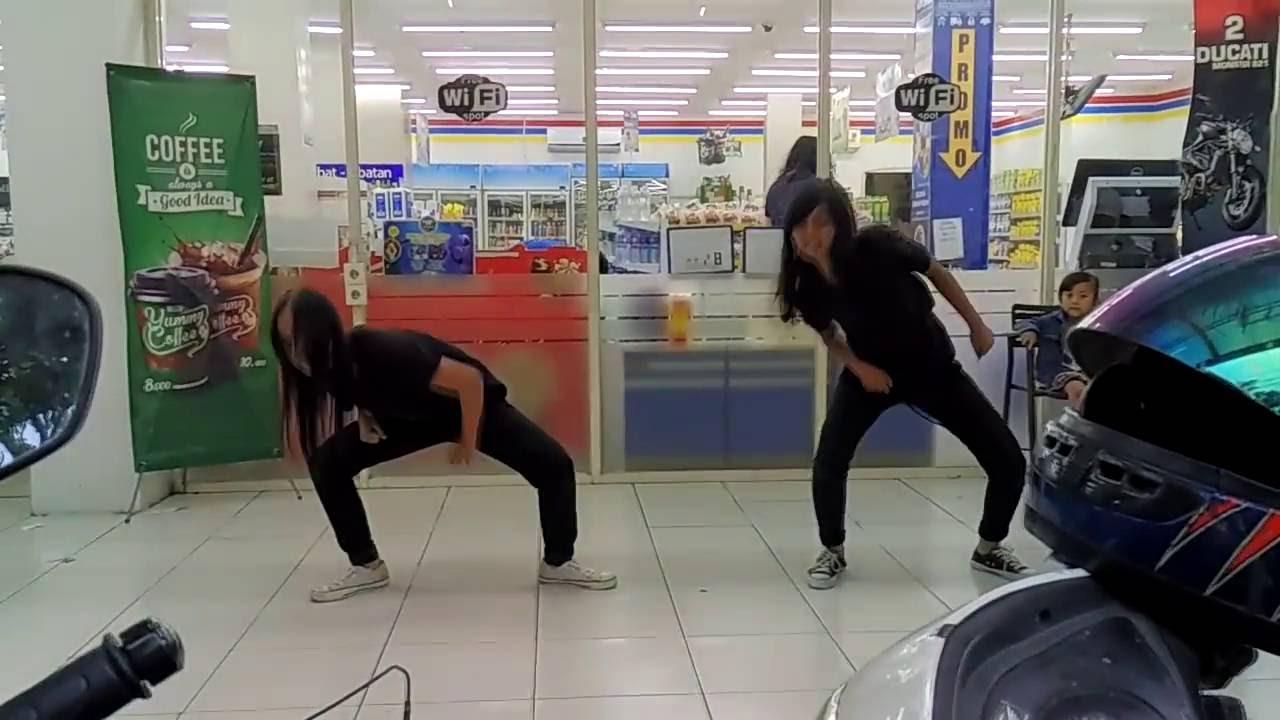 Attack girl black pink cover dance @indomaret hybrid cihampelas