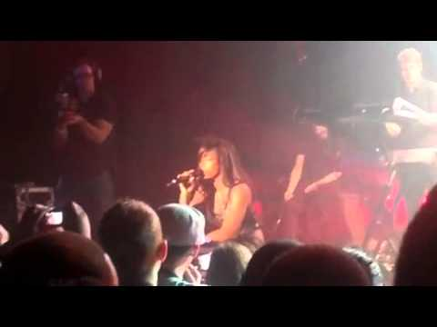 Kelly Rowland Performs Rose Colored Glasses