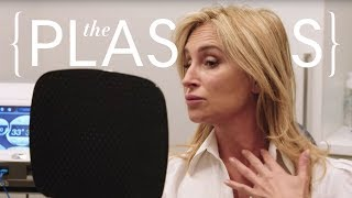 Real Housewife Sonja Morgan's 20-Minute Non-Surgical Face Lift | The Plastics | Harper's BAZAAR