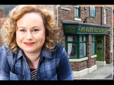 Coronation Street character's shock bid to buy the Rovers Return pub and turn it into a trendy cockt