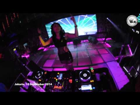 V2 Club Jakarta DJ AY CLAUDIA 10 September 2014