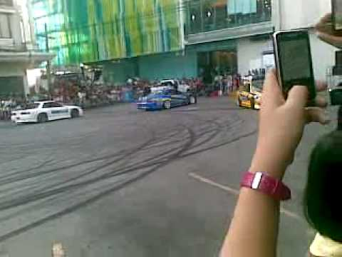 Harbor Motor Show drift car 5.mp4