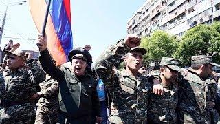 Армения: военные и священники примыкают к протестующим | НОВОСТИ