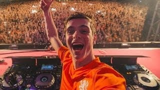 Repeat youtube video Martin Garrix (Full live-set) | SLAM!Koningsdag