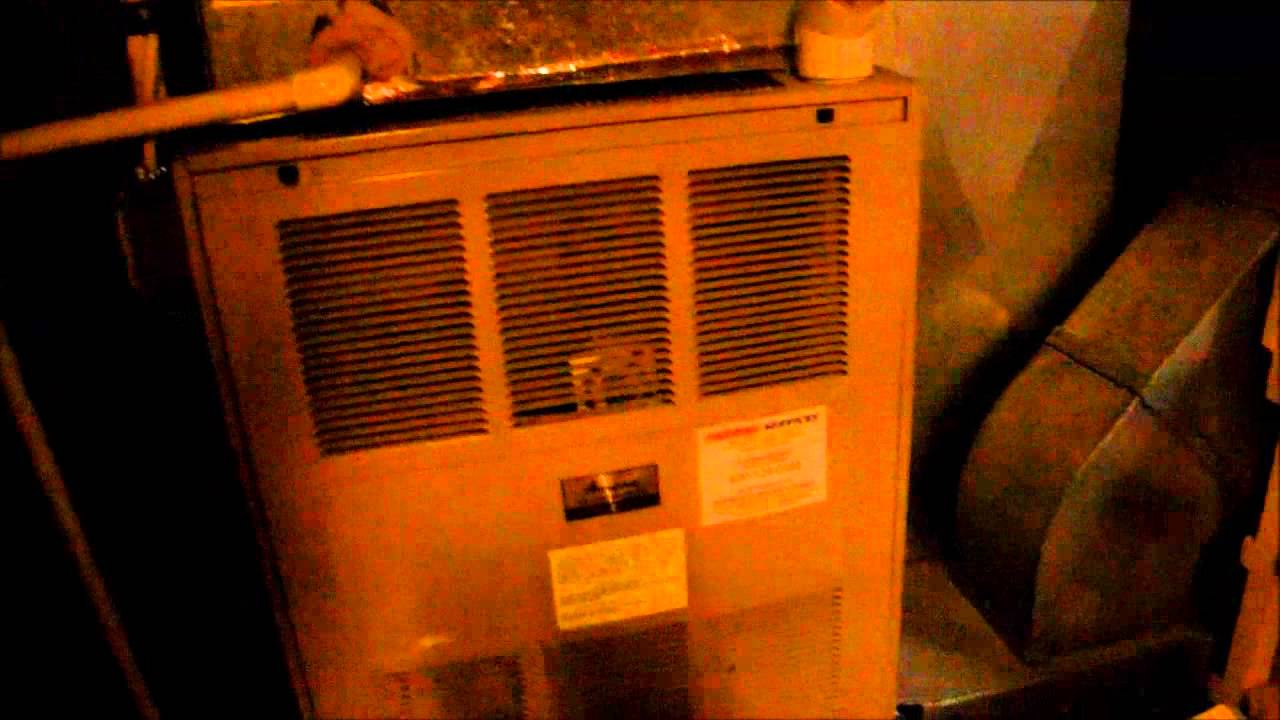 1980s Amana Air Command 90 gas furnace running! - YouTube