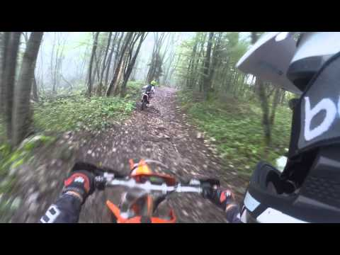 Honda CR125 & EXC 250 F in action (total noob riders)